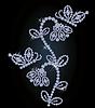 Векторный клипарт: Красивый алмазный цветок и бабочка фона