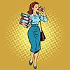 Business-Frau trinkt Kaffee auf unterwegs