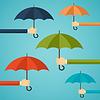 Hand des Mannes mit einem Regenschirm